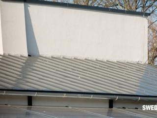 Óvodaépület korcolt síklemezes tetőfedése gyorsan, egyszerűen