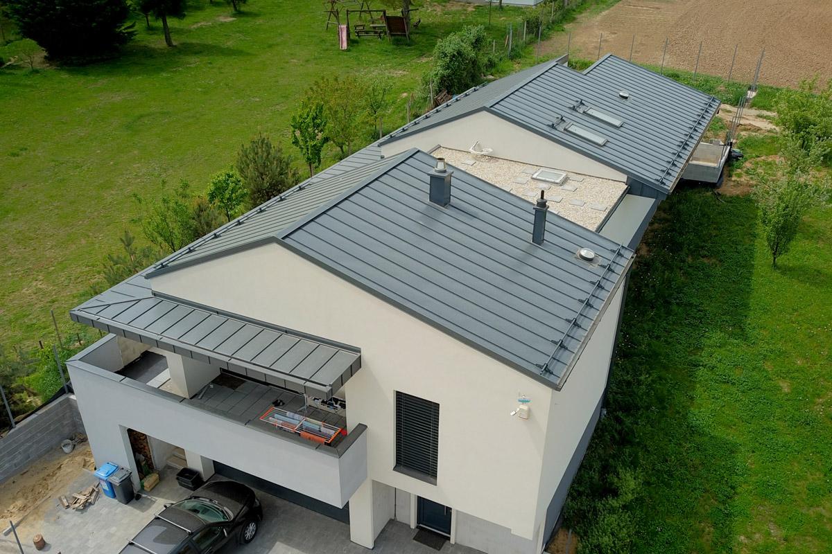 Kapovári szürke síklemezes tető