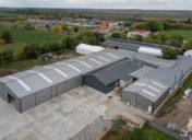 Swedsteel héjazatú csarnokban cseperedik majd a Faktum új bababútor-gyára